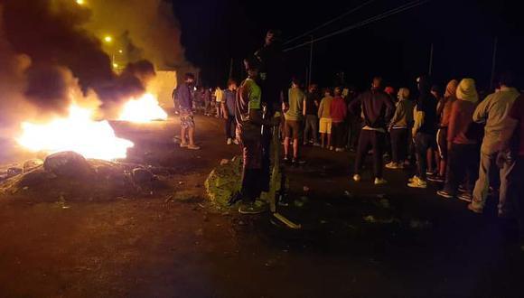 Ica: los manifestantes han tomado la Panamericana Sur, a la altura del Barrio Chino del sector de Villacuri, en el distrito de Salas. (Foto: Difusión)
