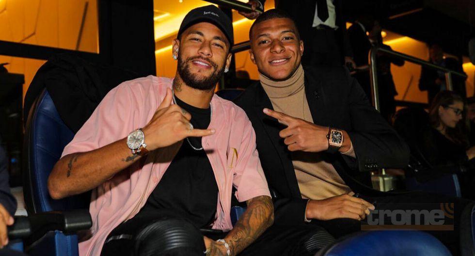Neymar vivió una fiesta en las tribunas del Parque de los Príncipes