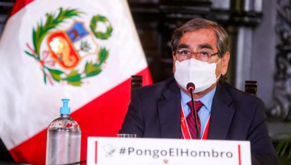 Ministro Óscar Ugarte señaló que se continúa trabajando en la lucha contra el COVID-19 en todo el país, pese a que exista reducción de cifras en alguna regiones y en otras un aumento de casos y decesos. (Foto: Presidencia del Perú)
