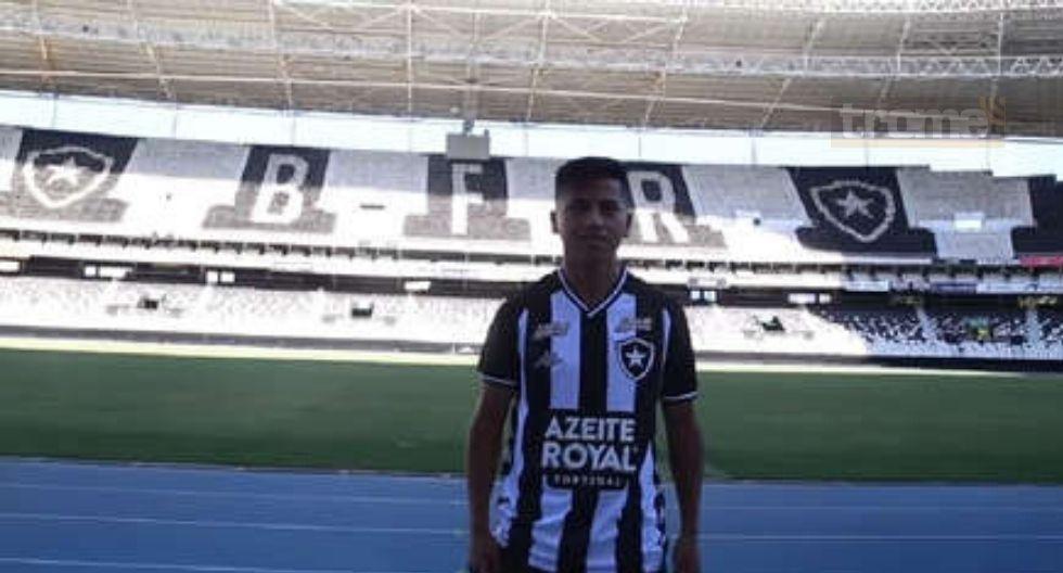 Alexander Lecaros fue presentado en Botafogo