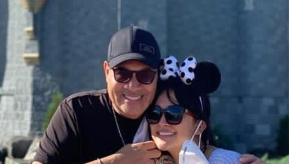 Daniela Darcourt y Tito Nieves en Walt Disney World Resort. (Foto: @danieladarcourtoficial)