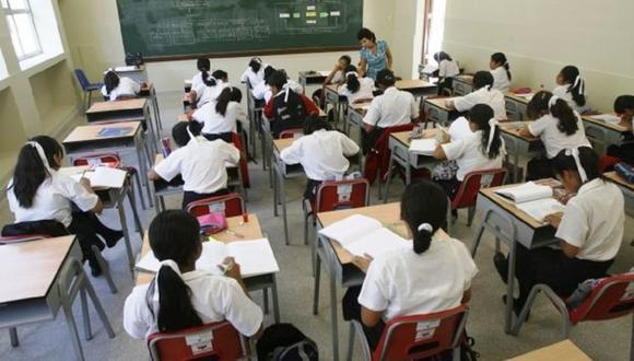 Las calificaciones en libretas de secundaria serán con letras y ya no con números. (Foto: Andina)