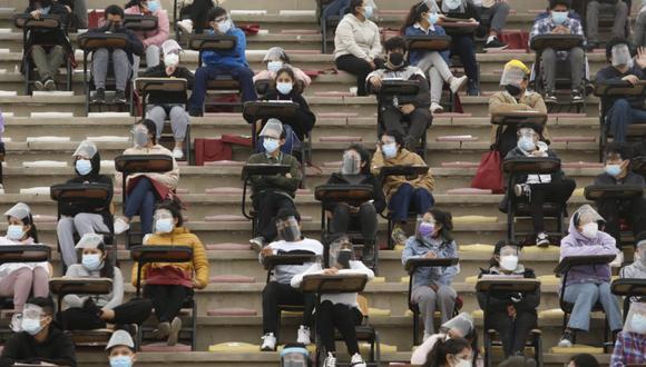 Gary se emocionó al ver a miles de jóvenes postulando a la Universidad. (GEC)
