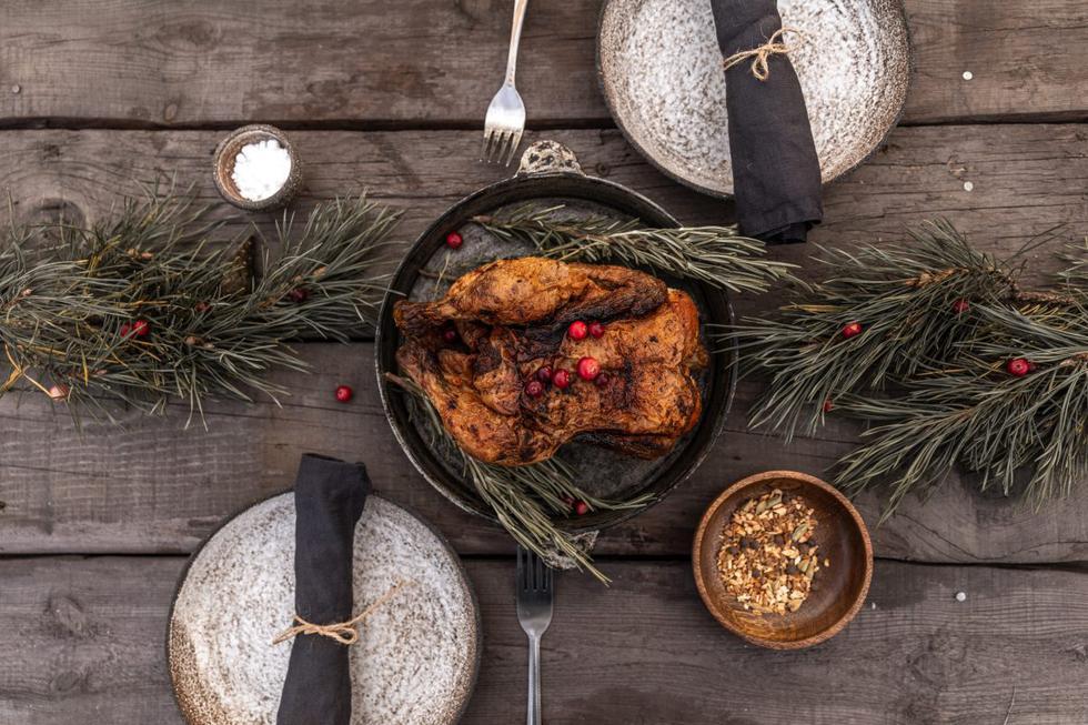 A la hora de imaginar la cena del 24 de diciembre, lo primero en lo que se piensa es en el pavo horneado; sin embargo, si se cometen ciertos errores en el proceso de preparación, este ya no será la estrella de Navidad. Aquí te contamos lo que debes evitar para que quede jugoso, sabroso y perfectamente dorado.