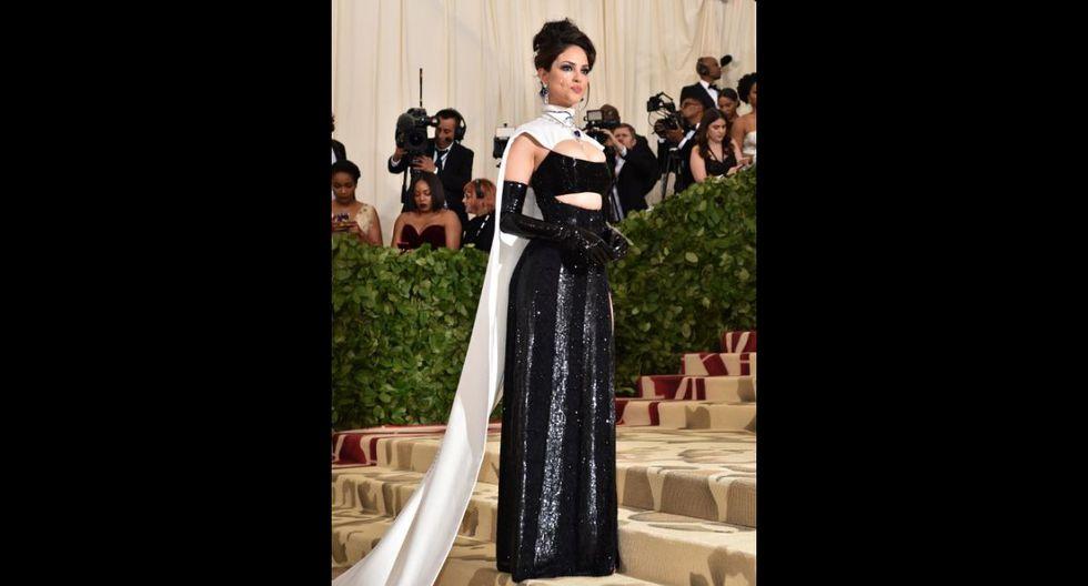 Vestidos MET Gala 2018: Eiza Gonzalez (Foto: AFP)
