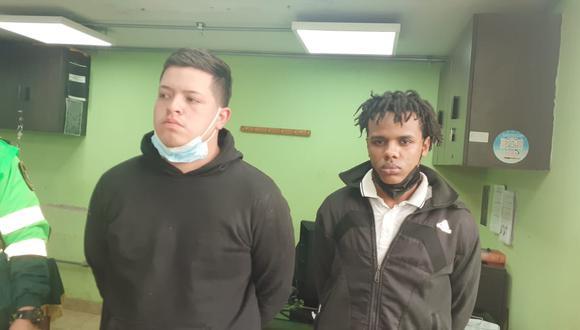 Dos venezolanos, pertenecientes a la banda 'Los Rápidos de Prialé', fueron atrapados. El de la izquierda, César Leandro Esquen Gómez (23), 'Caraqueño', y derecha Yonaiker López Cequera (20), 'Yonaiker'.  (foto: Mónica Rochabrum/Trome)