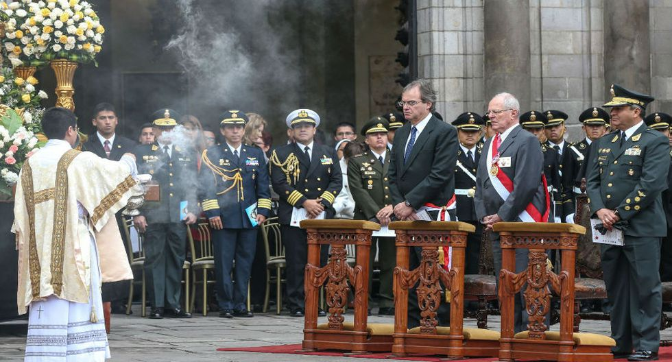 El Presidente Pedro Pablo Kuczynski participó en la misa de acción de gracias por Santa Rosa de Lima, patrona de la Policía Nacional del Perú. La celebración fue oficiada por el cardenal Juan Luis Cipriani. (Foto: Andina)