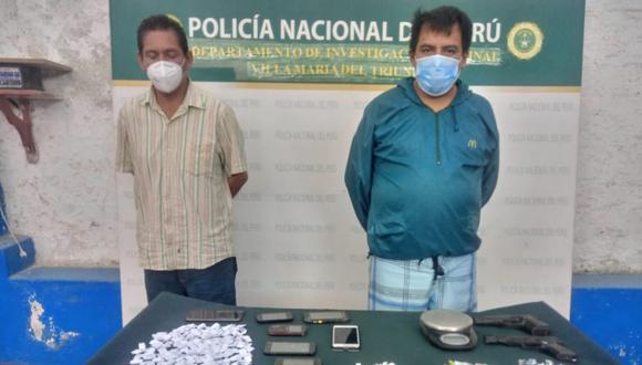 Los amigos José Luis Quezada Contreras (38), 'Paria', y Juan Enrique Mariño Gonzales (59), 'Pezuña', presuntos integrantes de la banda 'Los Quesos de Mariátegui', acusados de vender droga en el distrito.