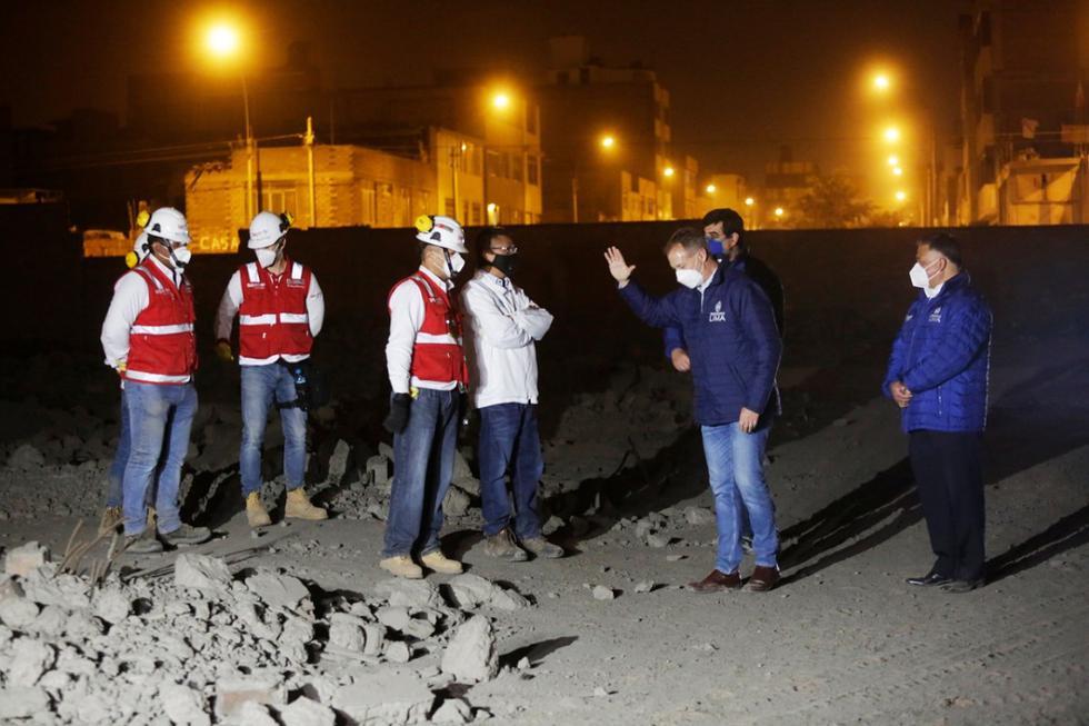 La Municipalidad de Lima inició trabajos de limpieza y remoción de escombros en el terreno llamado 'Tierra Prometida'. (Foto: Cesar Grados/@photo.gec)