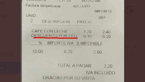 """Cafetería hace descuento a clientes que son """"feos"""" y genera controversia en redes sociales. (Foto: @pizarrines)"""