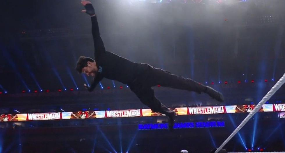 Bad Bunny debutó en WWE con un triunfazo en WrestleMania