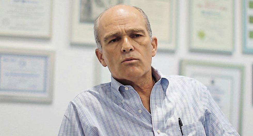 Roque Benavides, Salvador Heresi, PPK y más figuras de la política peruana en 'Pepitas'