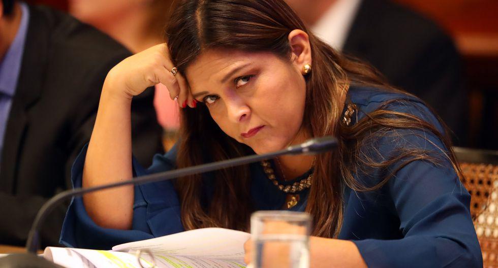 """Karina Beteta criticó el ascenso en la popularidad de Martín Vizcarra porque se debe a un """"constante"""" ataque contra el Congreso. (FOTO: USI)"""