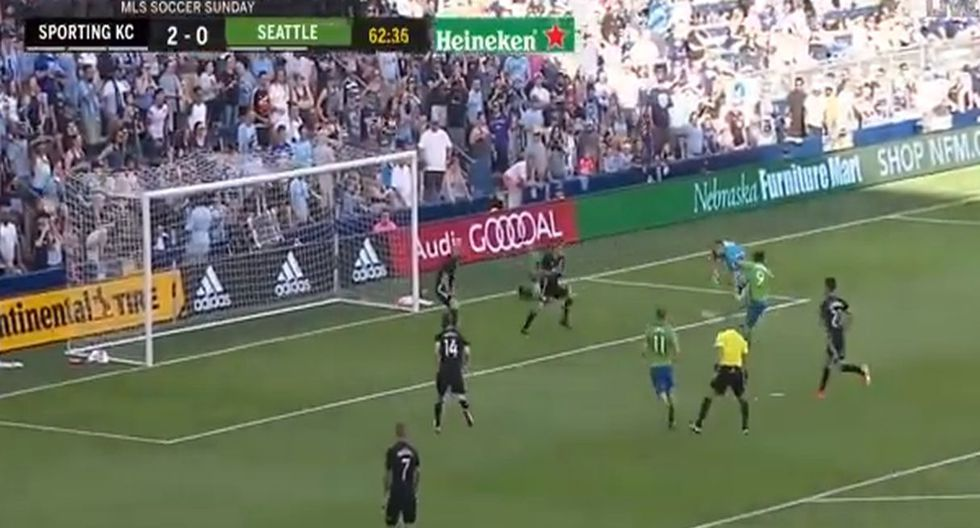 El gozalo de Ruidíaz en la derrota de Seattle Sounders ante el Sporting Kansa City por la MLS. (Capturas: YouTube)