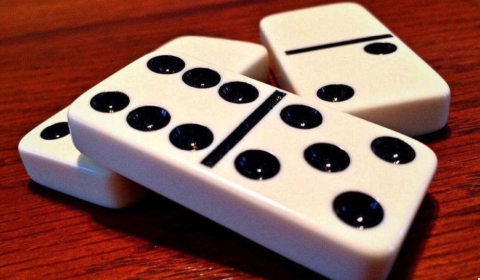 El video de los aficionados al dominó causó revuelo en las redes. (Foto referencial: Pixabay)