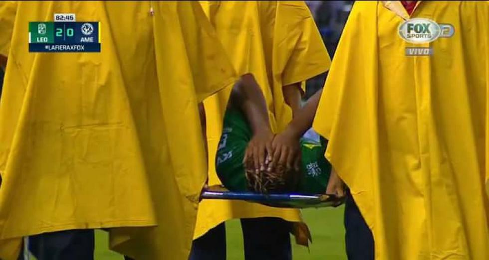 Pedro Aquino hizo partidazo en triunfo 2-0 ante América, pero salió lesionado