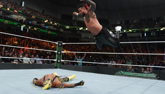 The Usos derrotaron a Rey Mysterio y Dominick en Money in the Bank. (WWE)