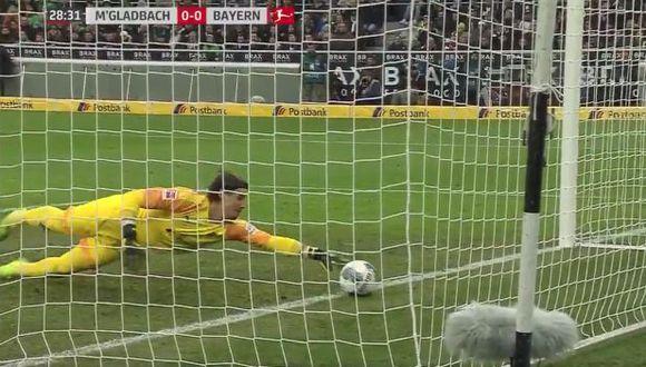 Al final, Borussia M'Gladbach derrotó 2-1 a Bayern Munich con esta acción de Yann Sommer