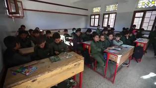 Niños comienzan el curso escolar en Yemen