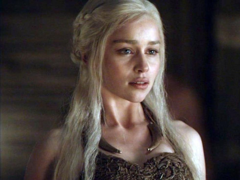 Emilia Clarke como Daenerys Targaryen.