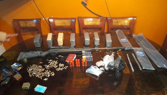 El exagente de aduanas, Marco Antonio Tavara Carvajal (47), 'Coky', que sería cabecilla de la organización criminal 'Los aduaneros de Bocanegra', fue atrapado con 7 kilos de clorhidrato de cocaína, arma y municiones.