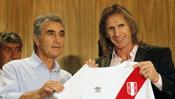 Juan Carlos Oblitas renovó contrato con la FPF (Foto: Reuters).