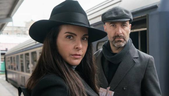 """Antonio Gil es el actor que da vida al ruso 'Oleg' en """"La Reina del Sur 3″, fiel aliado de 'Teresa Mendoza', interpretado por la mexicana Kate del Castillo. (Foto: @reinadelsurtv)."""