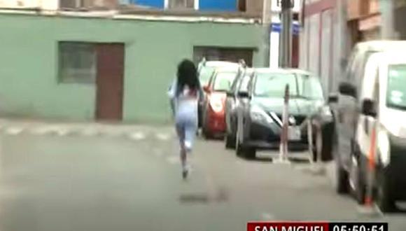 Cuatro de los 17 menores intervenidos en fiesta covid emprendieron la carrera y escaparon de la dependencia policial | Foto: Captura de Panamericana Tv