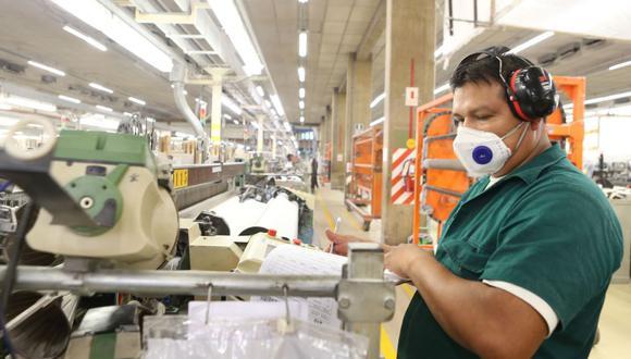 El pago triple por trabajar un día feriado está regulado y reglamentado por el Gobierno. (Foto: Andina)