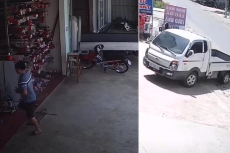 El hombre olvidó un importante detalle al salir del camión de carga ligera. (YouTube: ViralHog)