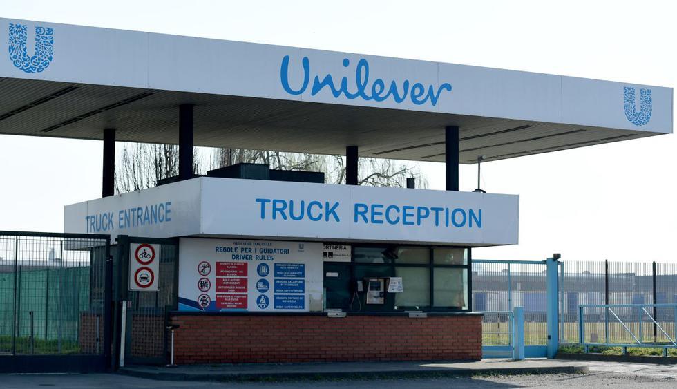La recepción del camión de la planta de Unilever en Casalpusterlengo, al sureste de Milán, se muestra el 22 de febrero de 2020. (AFP)