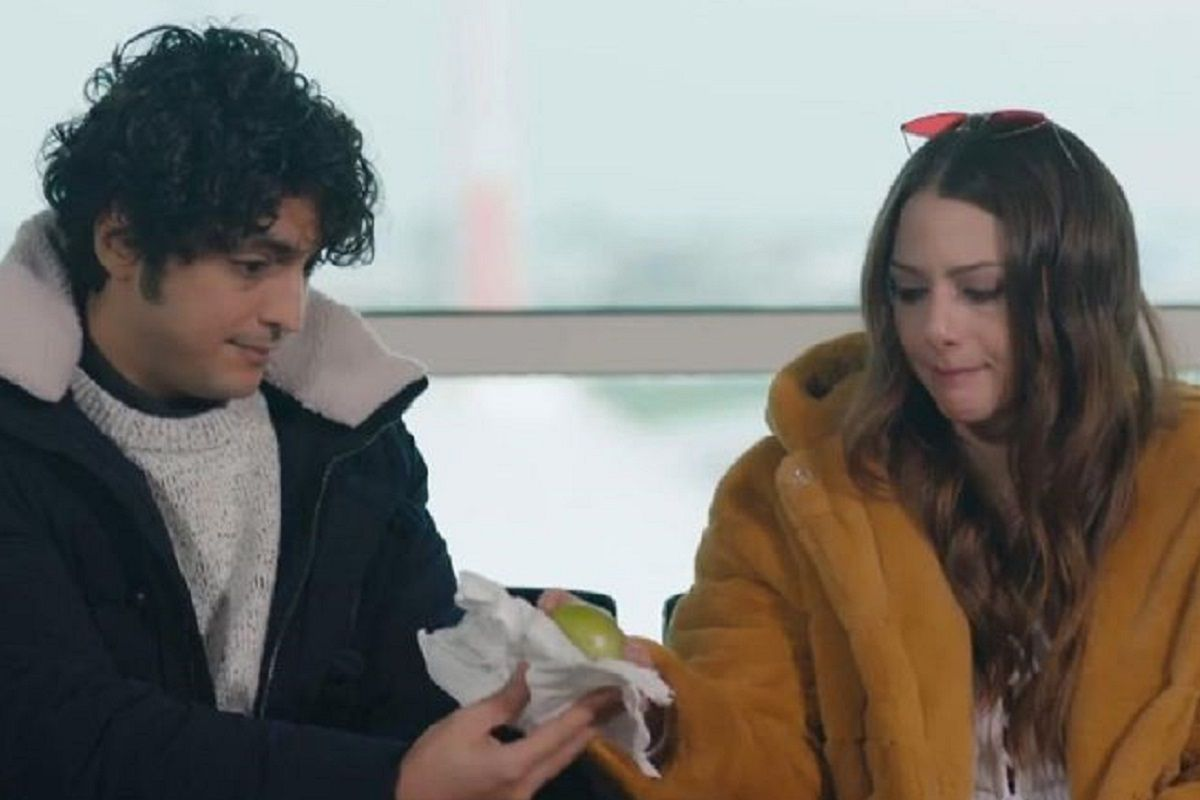 """Ezo se convirtió en amiga incondicional de Ali Vefa, el protagonista de """"Doctor milagro"""" (Foto: MF Yapım)"""
