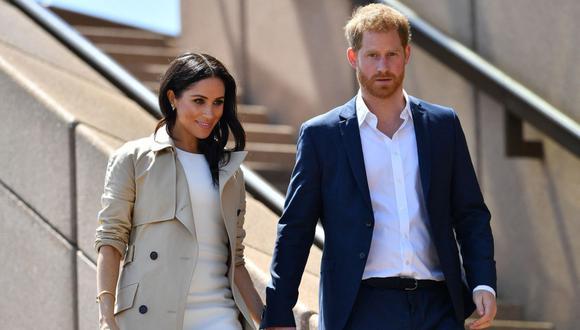 Las redes sociales se llenaron de críticas contra la Realeza Británica luego que Meghan Markle revelara maltrato. (Foto: SAEED KHAN / AFP)