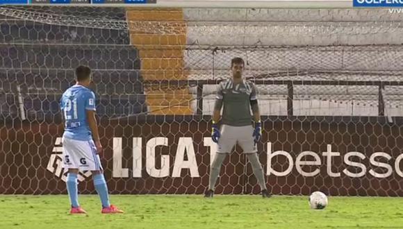 Irven Ávila falló penal en Sporting Cristal vs Deportivo Municipal.