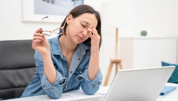 Podría provocarte estrés, mala postura, dolores de cabeza y hasta problemas cardiacos.