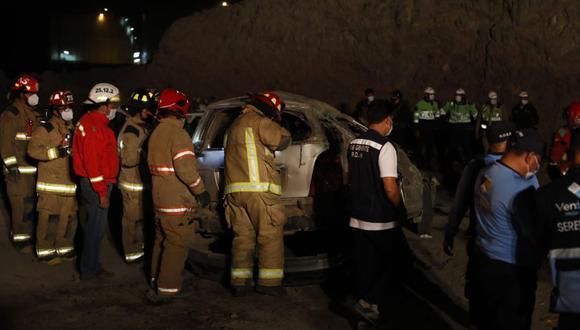 Despiste de auto dejó tres fallecidos en Ventanilla este Viernes Santo. Foto: César Bueno @photo.gec