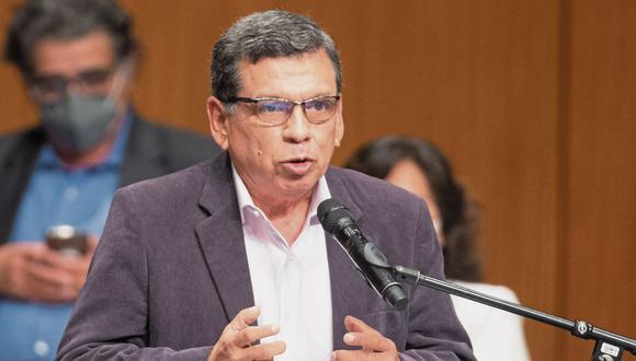El ministro de Salud, Hernando Cevallos, detalló que la instalación de la planta de producción de la vacuna rusa Sputnik V en el Perú se concretaría recién en el 2023. (Foto: Andres Paredes Wong/@photo.gec )