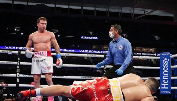 Impresionante victoria del Canelo Álvarez ante Avni Yildirim. (Matchroom Boxing)