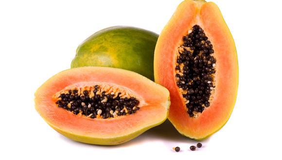 La debes consumir cuando su cáscara está de un color entre naranja y rojizo.