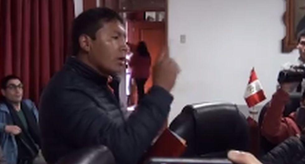 Cuadra a Rosa Bartra y la declara persona no grata en Huamacucho. Foto: Captura de ANN Noticias