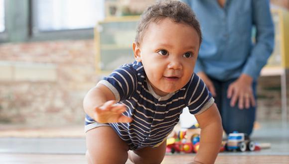 """""""Los padres no deben esperar a que el pequeño se enferme para llevarlos al doctor"""", advierte el pediatra, Jorge Mucha. (Foto: Getty Images)"""