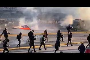 Miles vuelven a protestar en Chile para pedir renuncia de Piñera