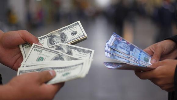 El dólar ha tocado niveles históricos en el mercado cambiario influenciado por el entorno político. (Foto: Vidal Jordan / GEC)