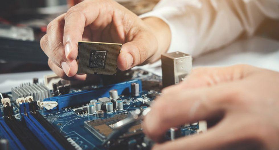 Los ingenieros de telecomunicaciones se dedican a la investigación y desarrollo de productos innovadores de telecomunicaciones. (Foto: Freepik)