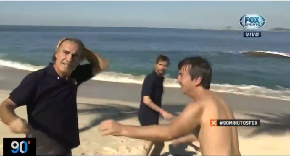 Conductores de Fox Sports terminaron en la playa durante transmisión en VIVO