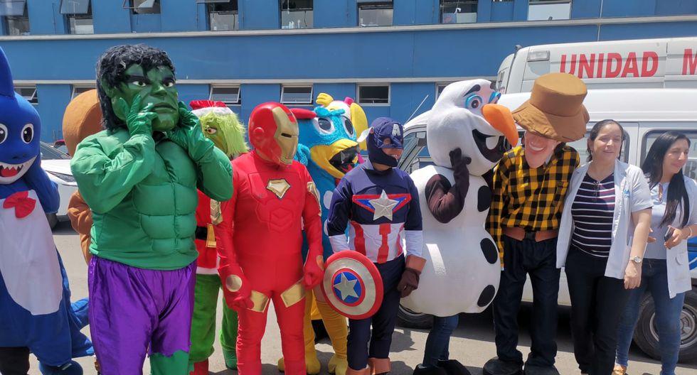 Doctores disfrazados de los 'Avengers' alegraron a niños con cáncer  | FOTOS