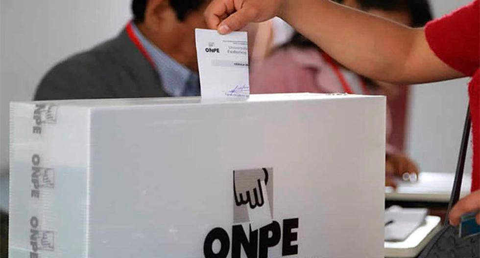 La ONPE estableció el monto de la multa para quienes no acudan a las urnas. (Foto: ONPE)