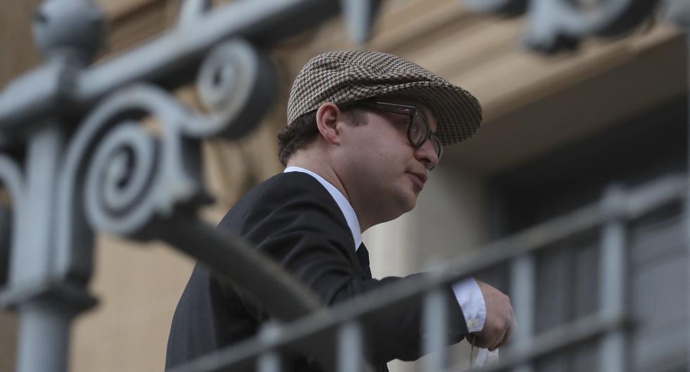Simon Bowes-Lyon, conde de Strathmore, llega al Tribunal del Sheriff de Dundee antes de la sentencia, en Dundee, Escocia, el martes 23 de febrero de 2021. (Jane Barlow/PA/AP).