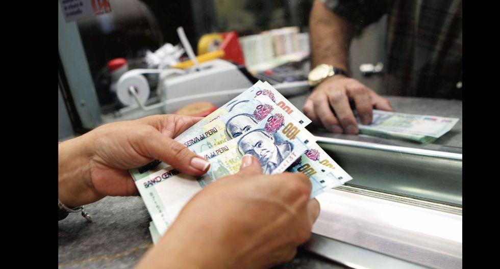 Billetes en casa de cambio