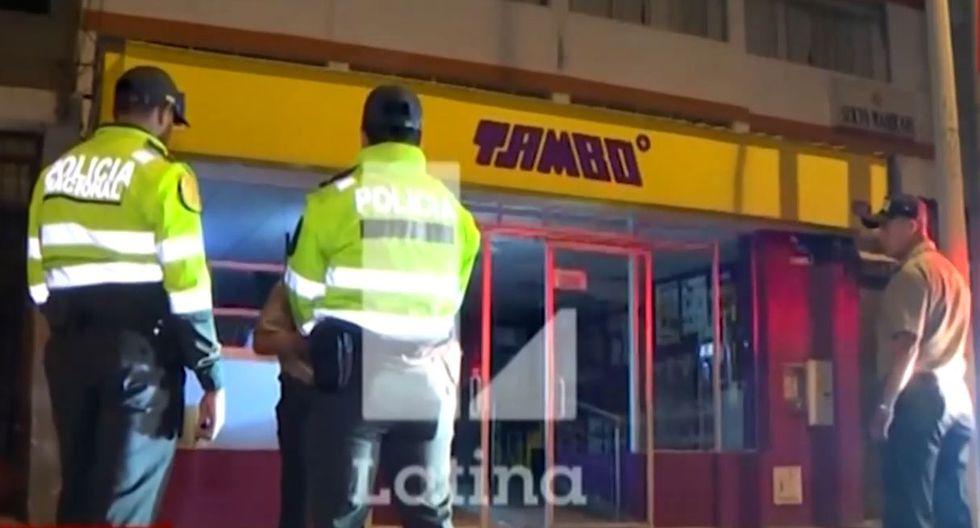 Delincuente ingresó por la puerta principal del establecimiento e intentó robar mercadería del establecimiento | TROME